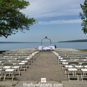 The Five Facets Lakeside Wedding Photo